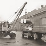 Early mobile dock crane